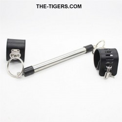 Spreader bar with 2 handcuffs (lockable)
